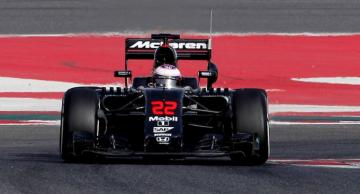 Jenson Button, este lunes en el MP4-31. (FOTO: EFE).
