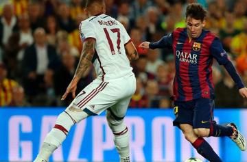Messi, frente a Boateng.