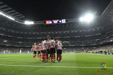 Los jugadores del Athletic celebran el gol de Williams (Foto: LaLiga).