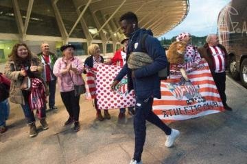 Williams se dirige a tomar el vuelo para Ostersund. (Foto: Athletic Club).