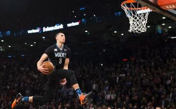 Zach LaVine se dispone a machacar.