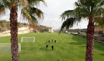 El campo de fútbol del Real Club de Golf Campoamor Resort.