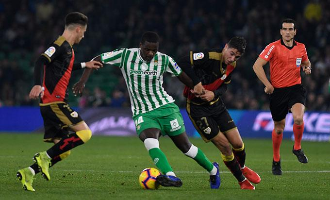 William Carvalho en el partido ante el Rayo (foto: Kiko Hurtado).