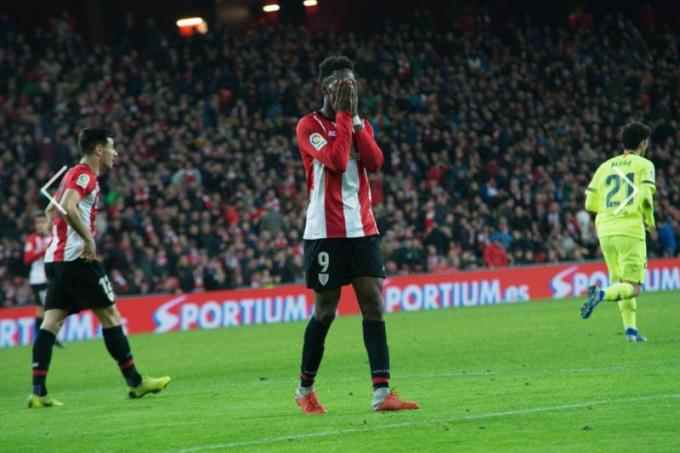 Iñaki Williams lamenta su gran ocasión errada ante Ter Stegen (Foto: Athletic Club).