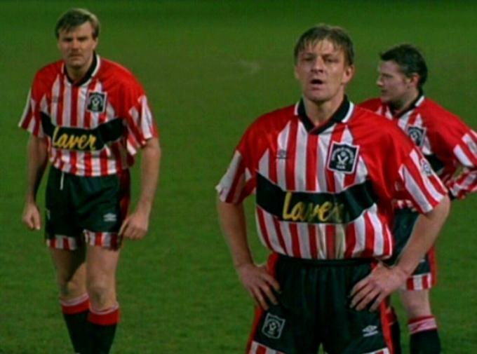 Sean Bean, en la piel de Jimmy Muir, futbolista del Sheffield United.