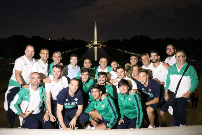La expedición del Betis en Washington (Foto: Real Betis).