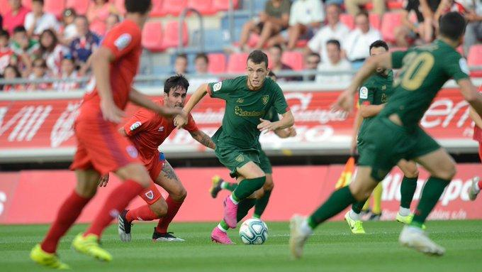 Iñigo Vicente en acción ante el Numancia en Los Pajaritos (Foto: Athletic Club).