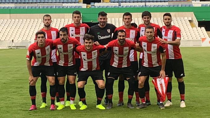 El once del Athletic Club en pretemporada ante el Racing. (Foto: Athletic Club)