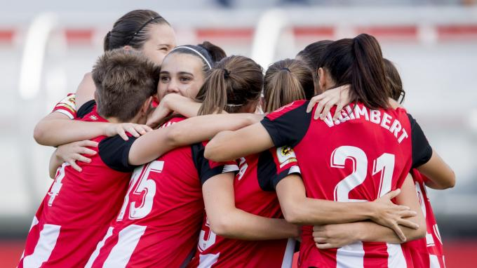 Las jugadoras del Athletic femenino celebran el 1-0 ante el Real Betis (Foto: Athletic Club).