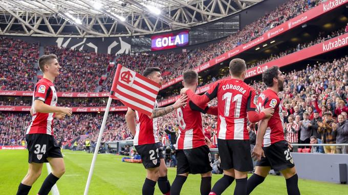 Gaizka Garitano da valor a la fortaleza defensiva del Athletic (Foto: Athletic Club).