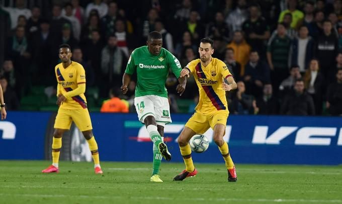 William Carvalho ante el FC Barcelona (Foto: Kiko Hurtado).