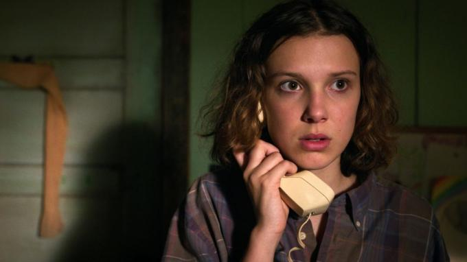 Millie Bobby Brown como Once (Foto: Netflix).