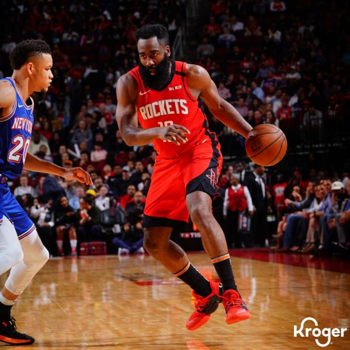 James Harden, durante el partido de la NBA frente a los Knicks (Foto: @HoustonRockets).