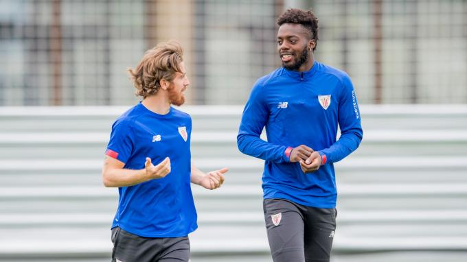 Los 'broders' Iker Muniain e Iñaki Williams en Lezama (Foto: Athletic Club).