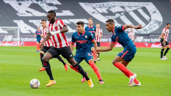 Iñaki Williams muy vigilado ante el Sevilla FC en San Mamés, (Foto: Athletic Club).