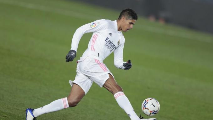 Varane, en el Athletic-Real Madrid (Foto: AFP).