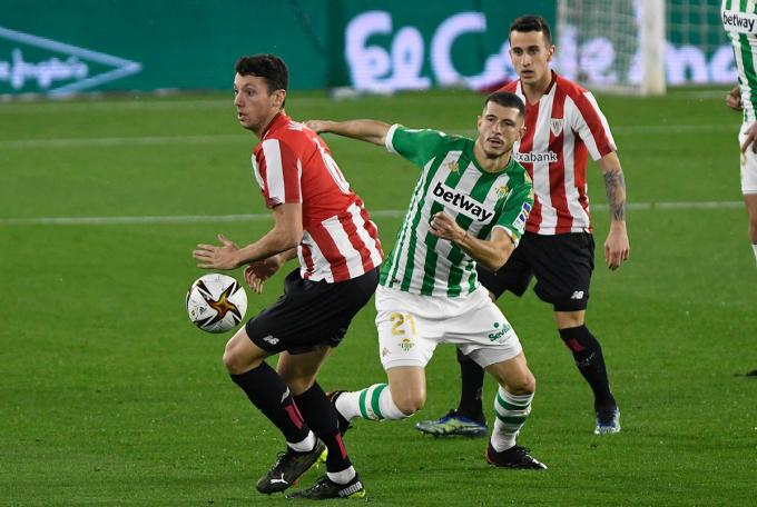 Guido Rodríguez, ante el Athletic (Foto: Kiko Hurtado).